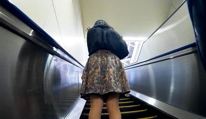 真‧偷拍神人!!高级相机在手 石榴裙下的任何秘密一个都不漏! 32
