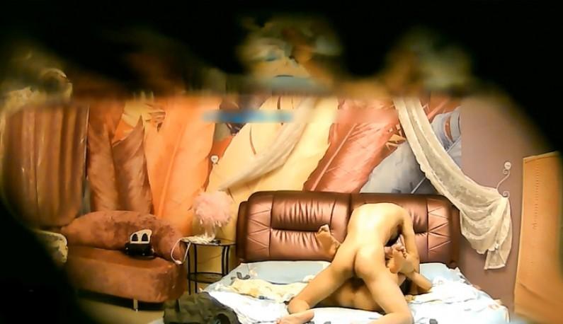 [酒店偷拍] 年轻美眉外表清纯~内心淫荡!!被后入后开始胡言乱语~-ms