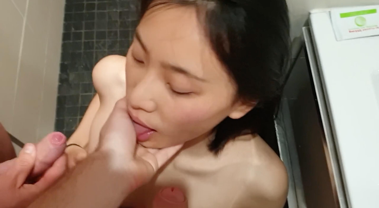 留学生小舒淇、刘玥在浴室激情多P~轮番上阵换换爱!